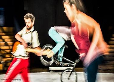 les spectacles : Représentation de L'Homme V. de la Cie3634 au festival Chalon Dans la Rue